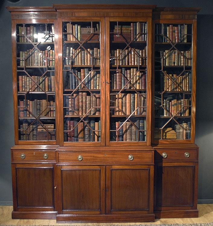 Реставрация книжного шкафа - столярные работы.