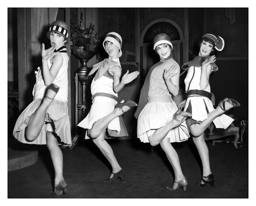 flappers in the 1920s