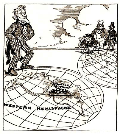 a comparison between the 1899 us open door policy and the 1823 monroe doctrine The common goal of both the open door policy and dollar diplomacy was protecting economic interests.