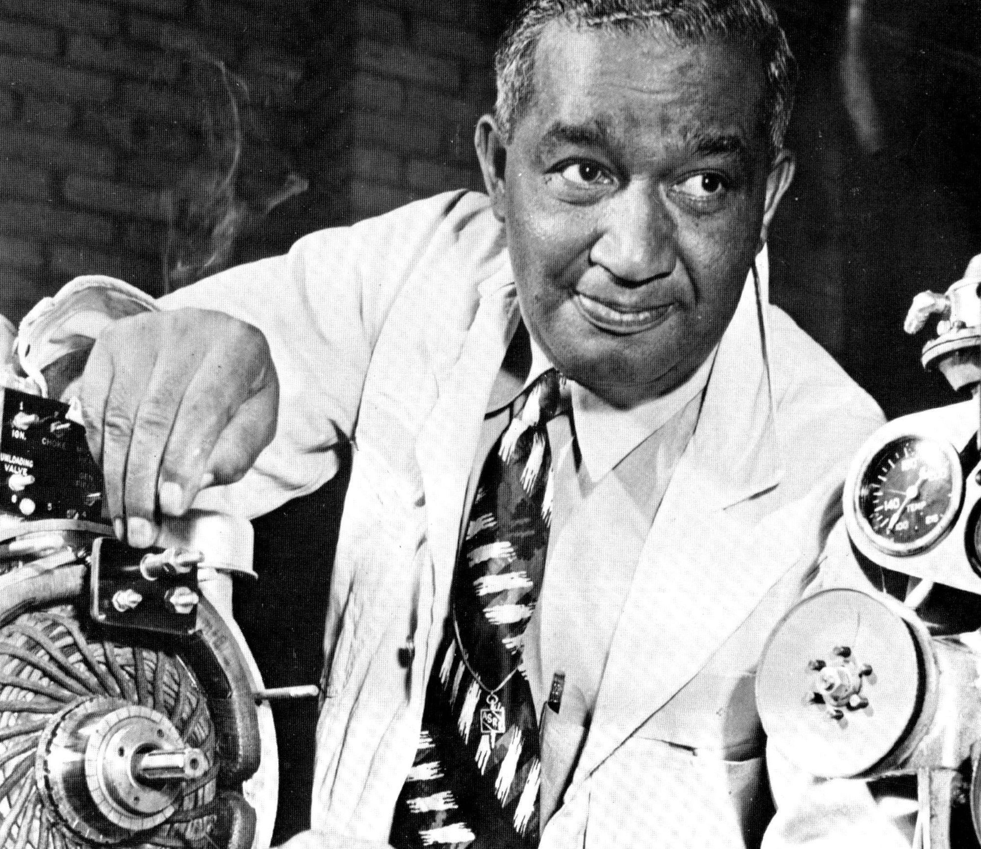 frederick mckinley jones Frederick mckinley jones (may 17, 1893 – february 21, 1961) was an african-american inventor, entrepreneur, winner of the national medal of technology, and inductee of the national inventors hall of fame.