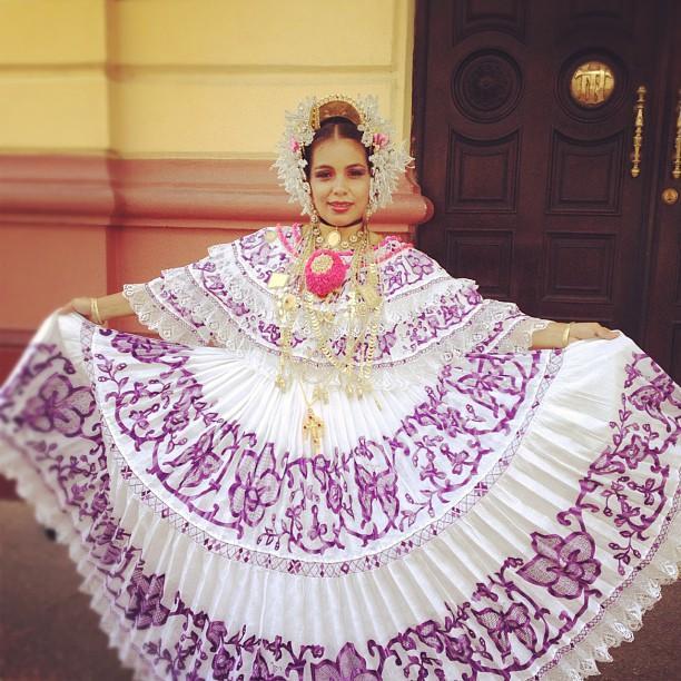 La Ropa Tradicional De Panama