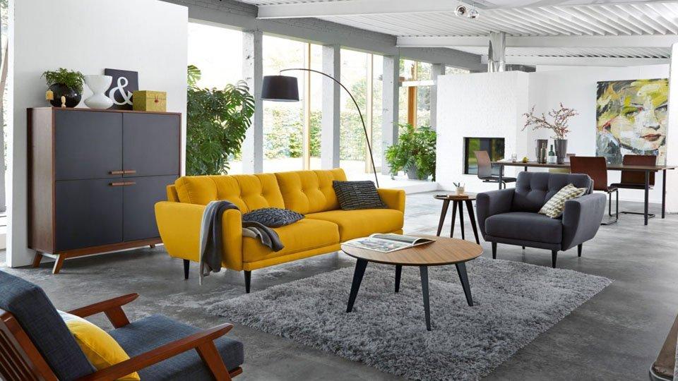 Canapé vintage jaune moutarde 600,25 €, Tapis shaggy gris ...